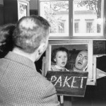 Herbert Sonnenfeld, Philipp Cahn 1934 beim Sprechunterricht an der Israelitischen Taubstummen-Anstalt Berlin-Weißensee mit Hilfe eines Spiegels © Jüdisches Museum Berlin